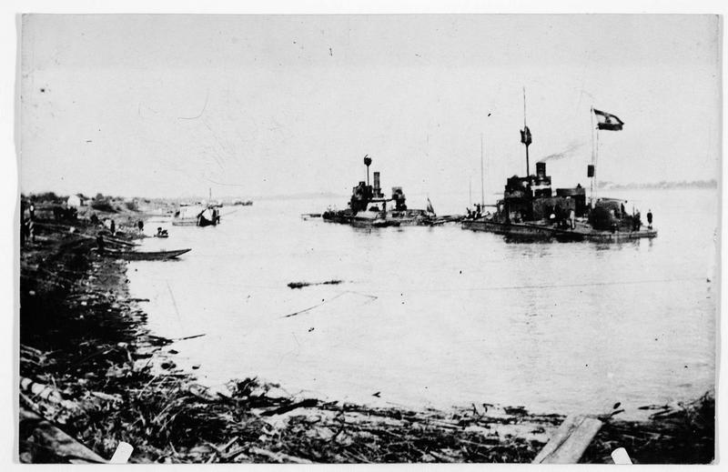 Monitors (cuirassiers) austro-hongrois sur le Danube à Belgrade