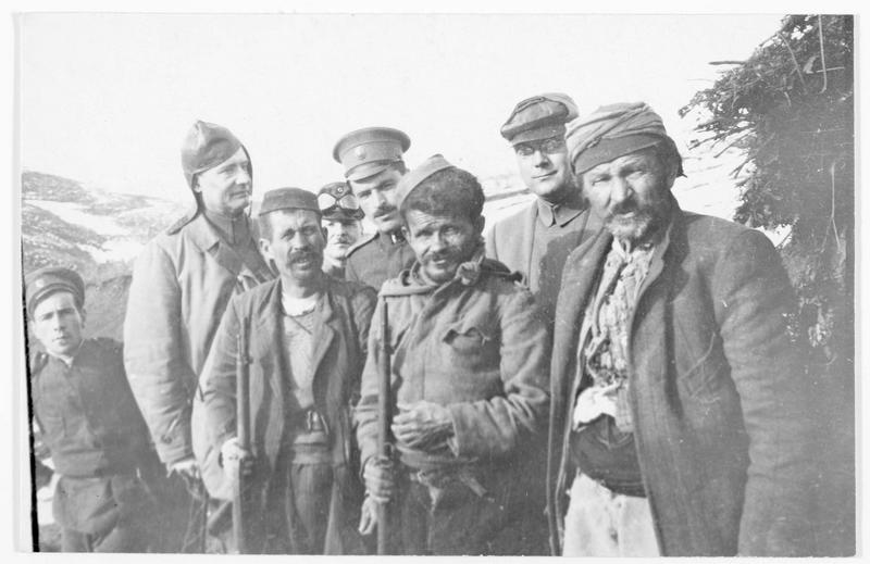 Guerriers albanais, officiers bulgares et rapporteurs