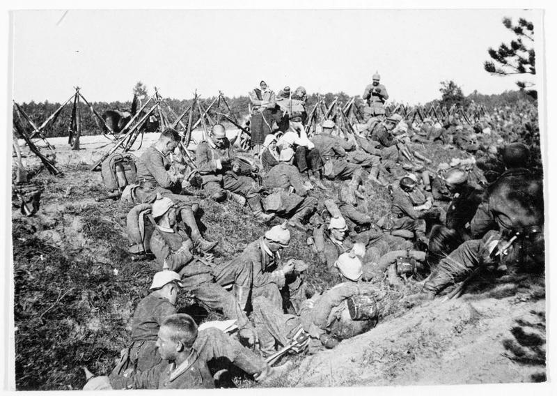 Près de Verdun, une halte des soldats allemands