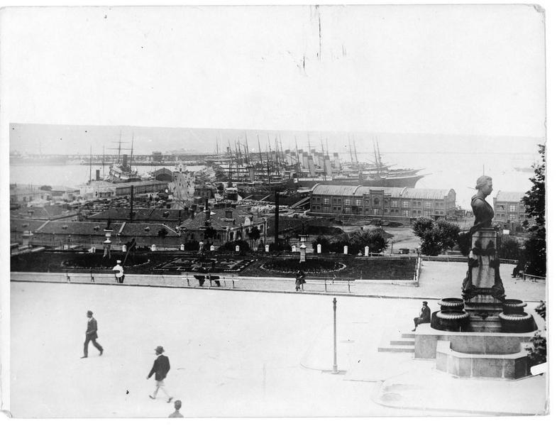 Le monument de Pouchkine (Puschkin) sur le port d'Odessa
