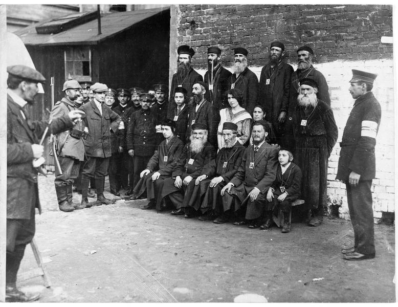 Juifs polonais, «photographiés par les Boches»