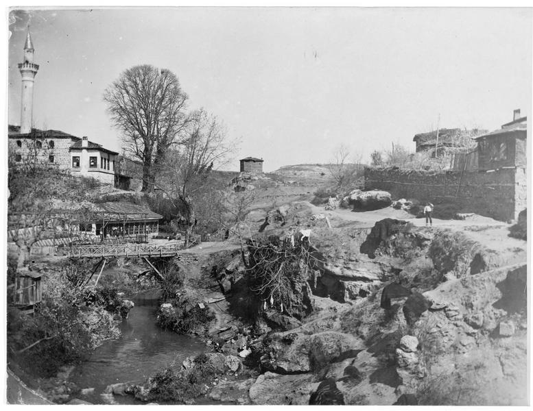L'avancée bulgare en Macédoine. Le village macédonien de Verria (en allemand)