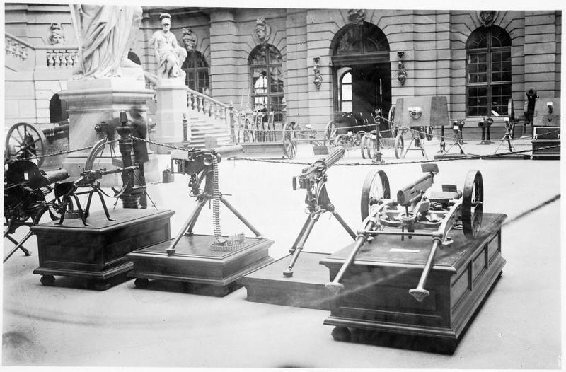L'Arsenal de Berlin ou Zeughaus. Exposition des armes prises à l'ennemi. Trophées