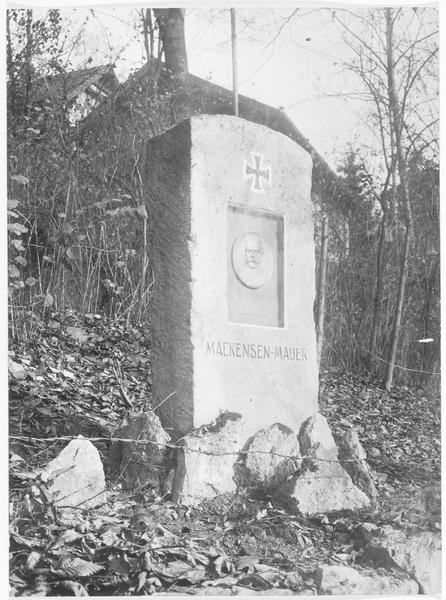 Le premier monument à August von Mackensen en Allemagne