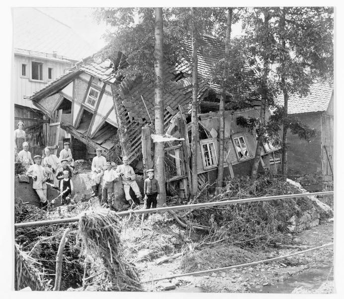 Maison détruite par de fortes pluies