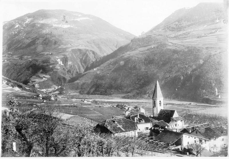 La vallée d'Etschtal vue de Bozen (en autrichien). Tyrol du sud