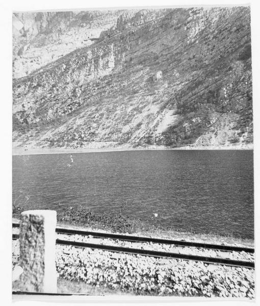 Vue sur le lac de Garde non loin de Torbole