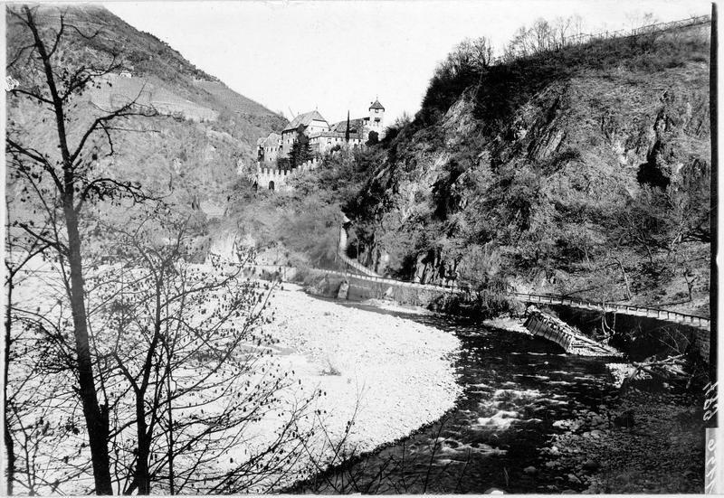 Le chateau de Runkelstein dans la région de Bozen (en allemand)