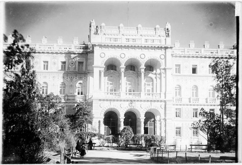 Le palais du Gouvernement à Trieste