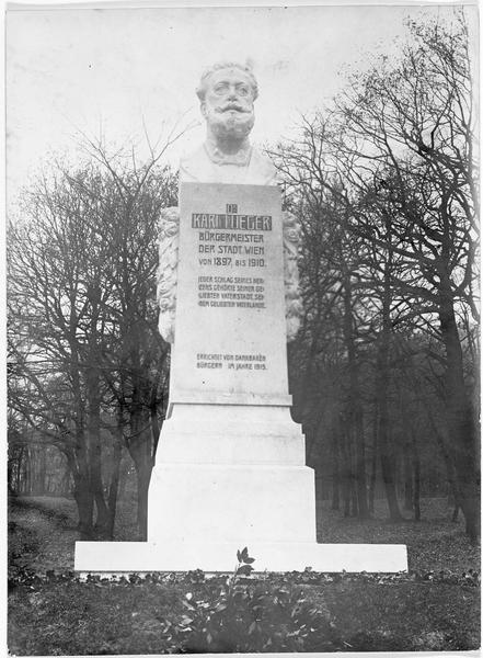 La statue du docteur Karl Lueger, maire de Vienne de 1897 jusqu'à sa mort en 1910