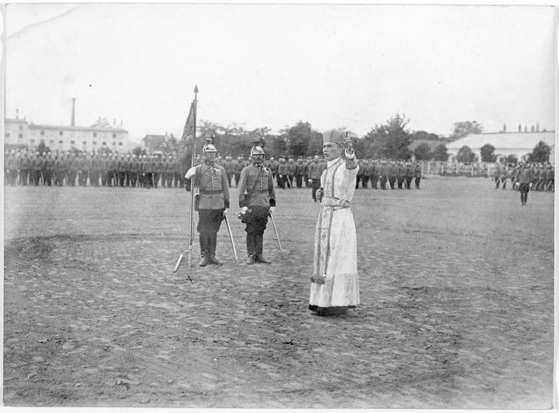Prédicateur autrichien s'adressant à un régiment autrichien de Uhlans