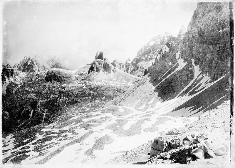 Montagnes dans les Dolomites