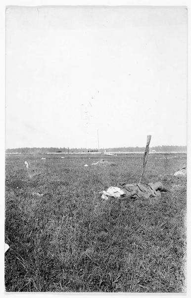 Cadavre russe sur le champ de bataille de Galicie