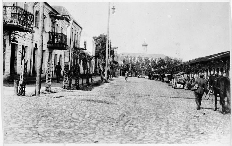 La place du marché à Slonim