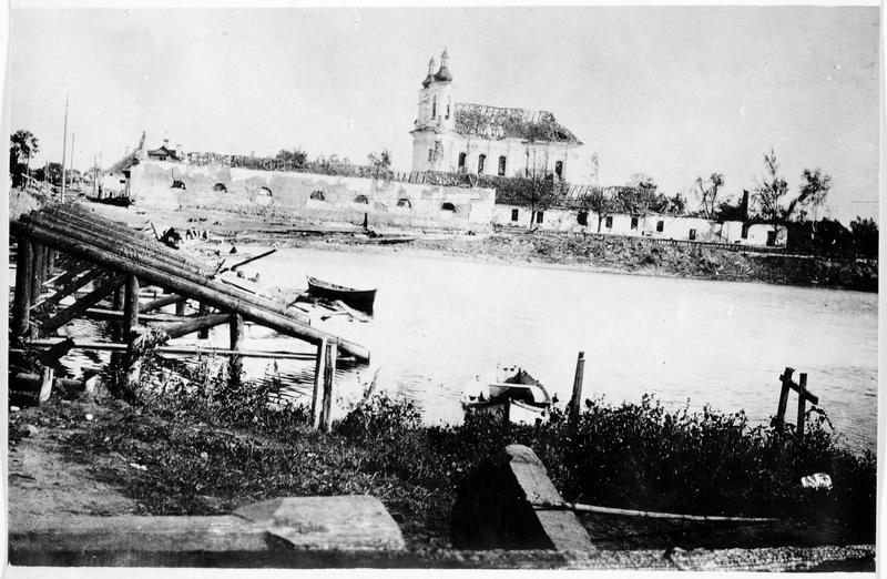 La ville de Slonim incendiée par les Allemands
