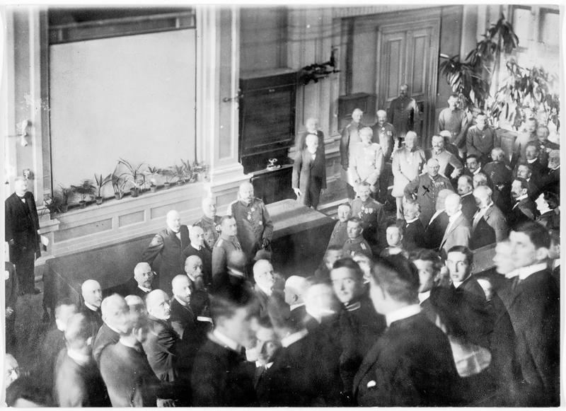 Inauguration officielle de l'université de Varsovie, en présence de Son Excellence le général von Boseler