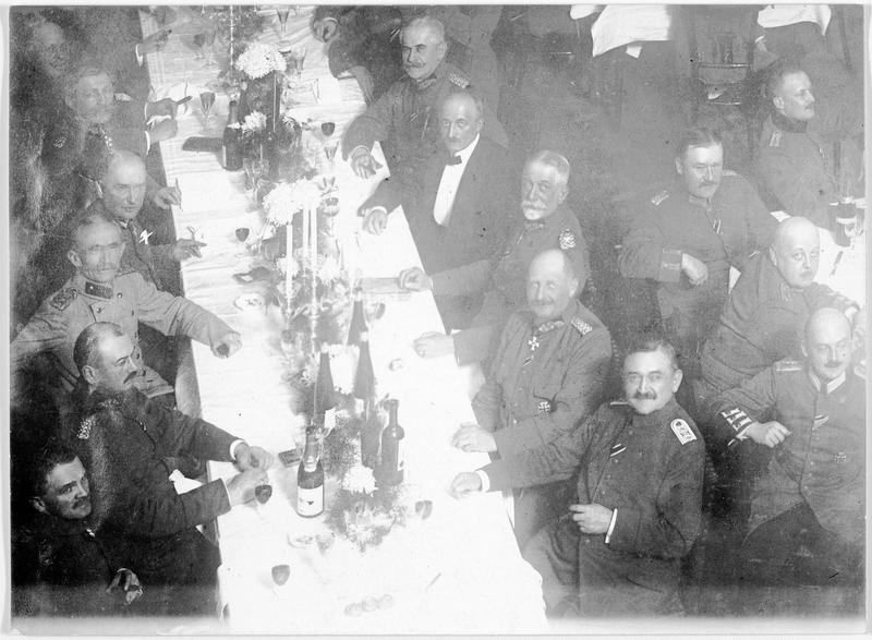 Inauguration du premier cercle d'officiers allemands en présence du général von Boseler (x)