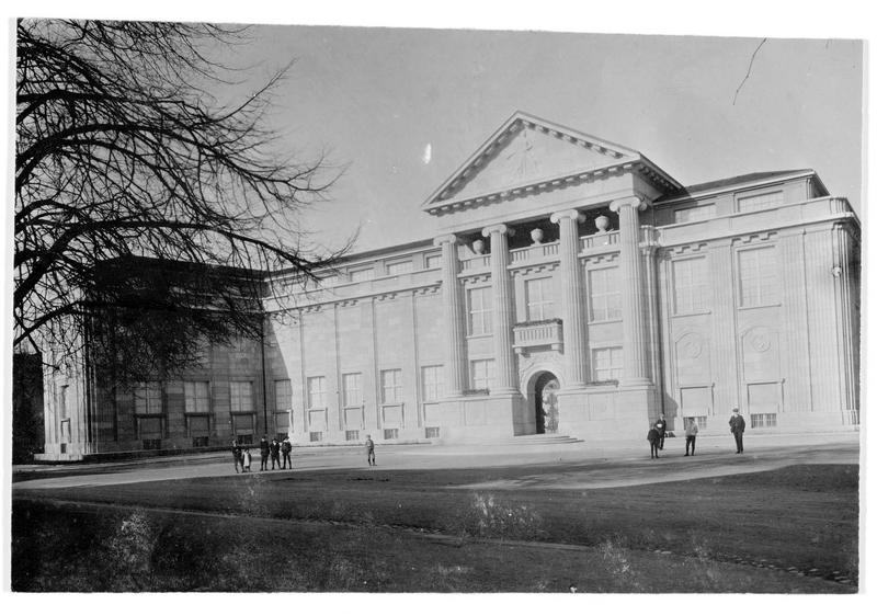 Le nouveau musée d'Art de Winterthur, qui contient la bibliothèque de la ville, le musée des Beaux-Arts et le musée historique. Sa construction coûta 1.318.475 francs suisses