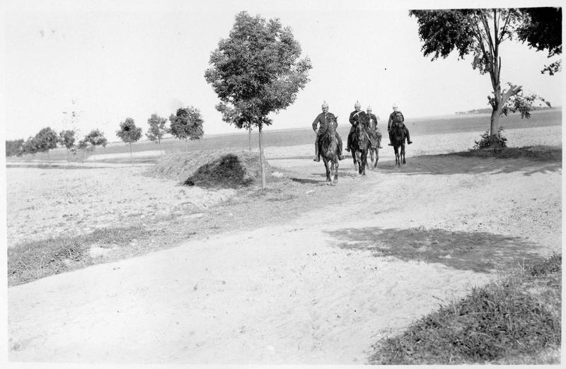 Patrouille allemande de cavaliers