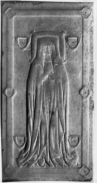 dalle funéraire d'Agnés de Bouders, dame de Matringhem