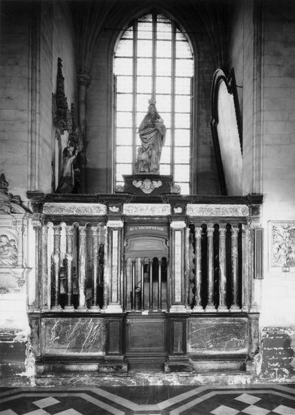 Clôture de la 5e chapelle sud (Sainte-Aldegonde), statue : sainte Elisabeth