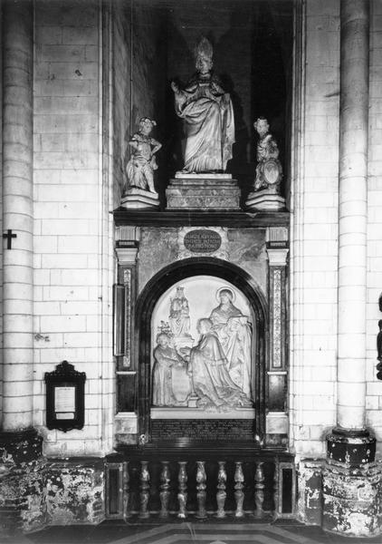 clôture de chapelle, monument funéraire