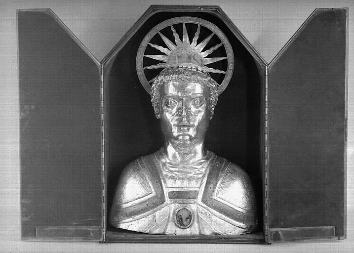 Buste reliquaire de saint Aventin, en cuivre et argent (présentation)