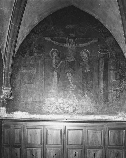 Peinture monumentale de la sacristie du chapitre : Christ en croix entre la Vierge et saint Jean (le)