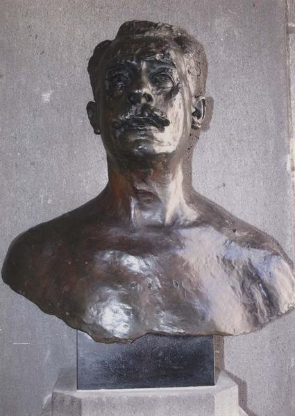 buste d'Etienne Clémentel, vue générale