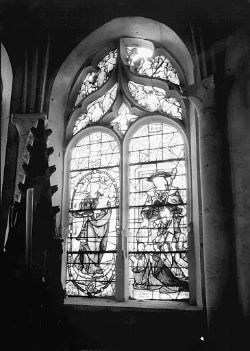2 verrières : Le Crucifiement, La Vierge et saint Louis