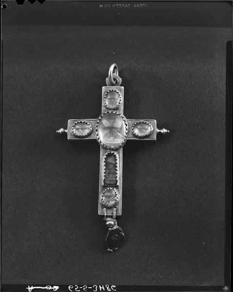 Croix pectorale en cristal de roche et argent doré, face