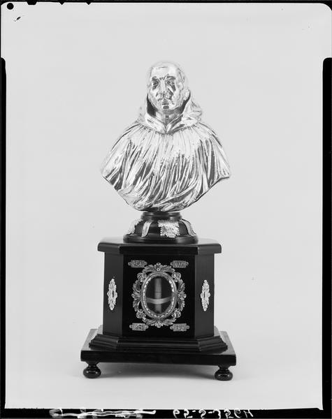 Buste-reliquaire de saint Valéry, de face