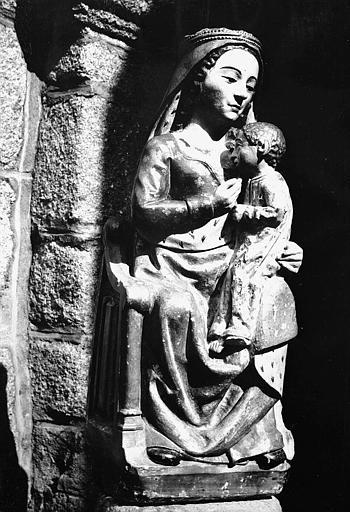 Statue en pierre polychrome de la Vierge à l'Enfant dite Notre-Dame de Laguenne