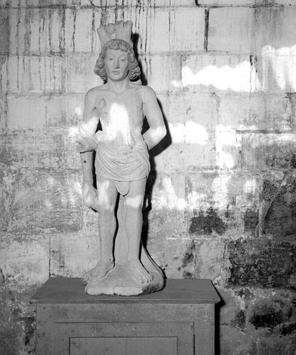 Statue en bois polychrome de saint Sébastien