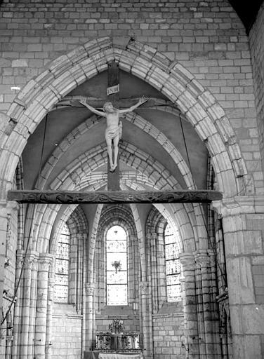 Poutre de gloire avec statue du Christ en Croix, en bois (supposé)