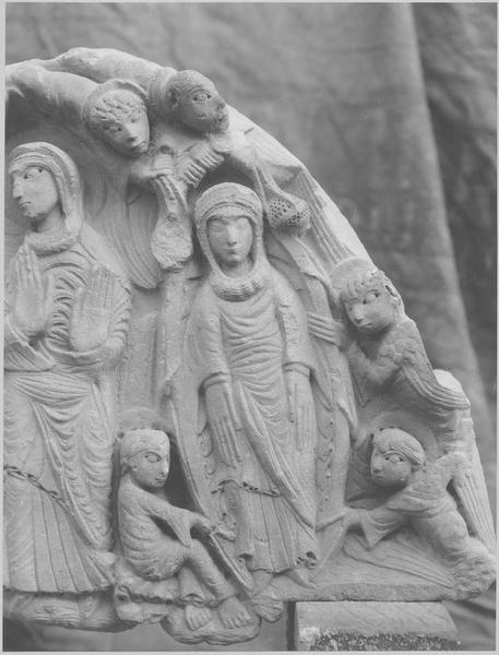 Tympan : la Résurrection, l'Assomption de la Vierge, Christ en majesté (le), détail