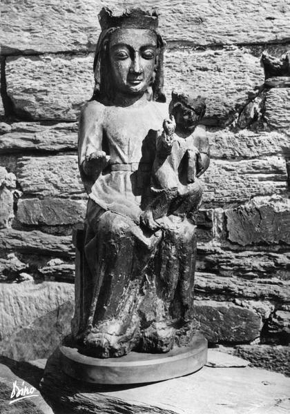 Statue dite Notre-Dame-de-Serrabone : Vierge à l'Enfant assise
