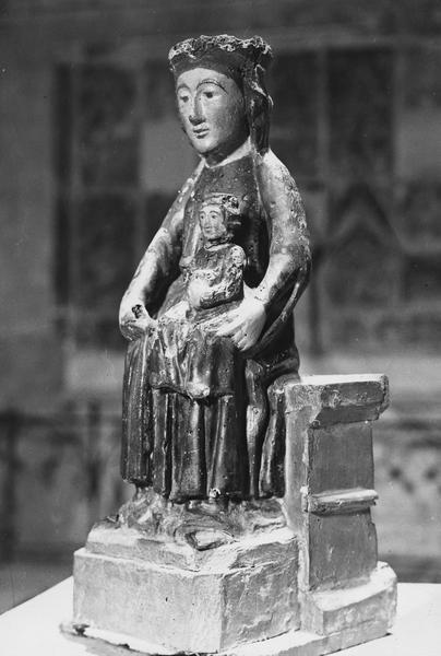 Statue dite Vierge-de-la-Crèche : Vierge à l'Enfant assise
