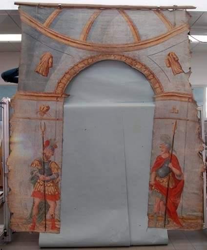 4 pièces murales (tenture du Jeudi Saint) : arcs triomphaux