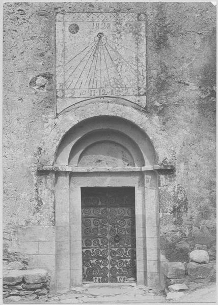 vantaux, pentures, vue générale du porche