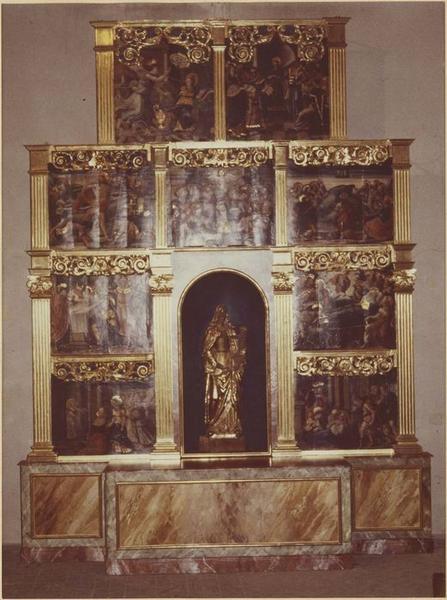 retable, 9 tableaux, prédelle de la Vierge : la Crucifixion, vue générale