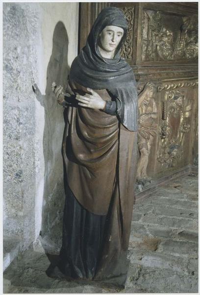 trois statues : Mise au tombeau