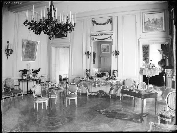 Intérieur : décoration d'un salon