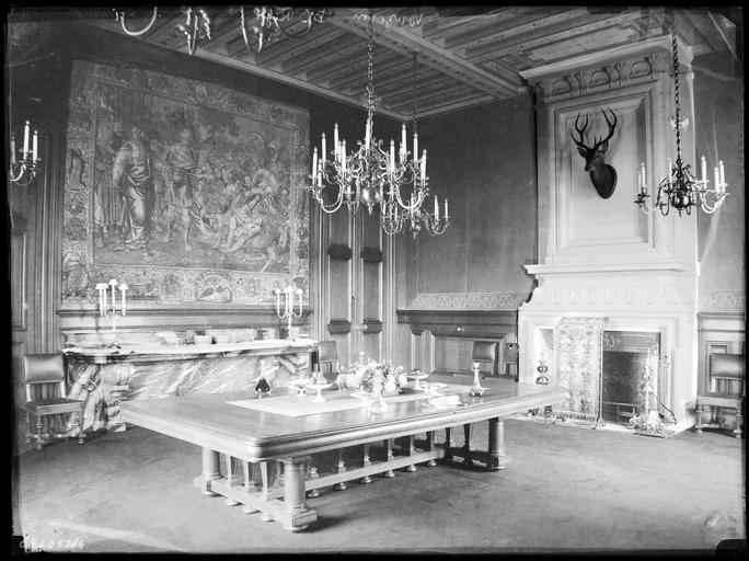Intérieur : décoration d'une salle à manger
