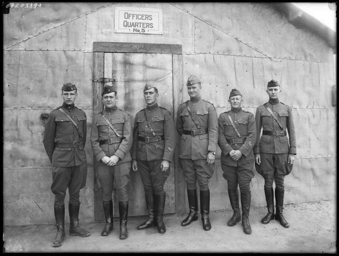 Portrait de groupe : officiers américains