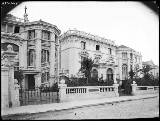 Villas route de Fréjus actuellement rue Georges-Clemenceau