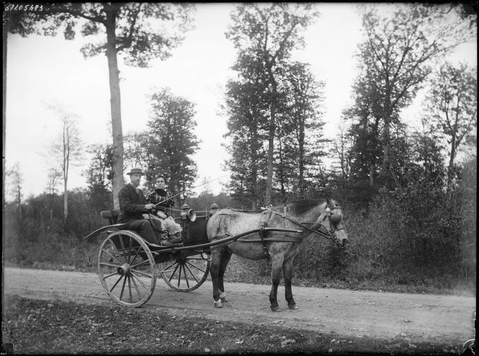Portrait de sa famille : Lemaire et sa femme dans une carriole#