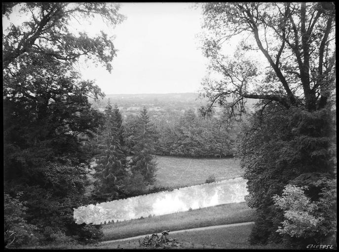 La rivière vue du château