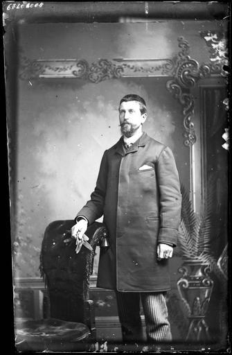 Portrait de sa famille : Lemaire debout#