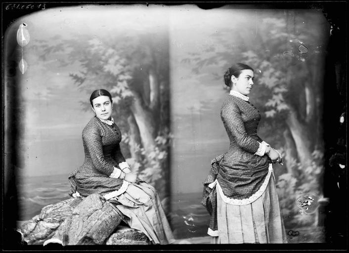 Portrait de sa famille : deux portraits de sa femme#